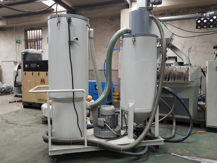 TS-300L-A型环保无尘回收式喷砂机